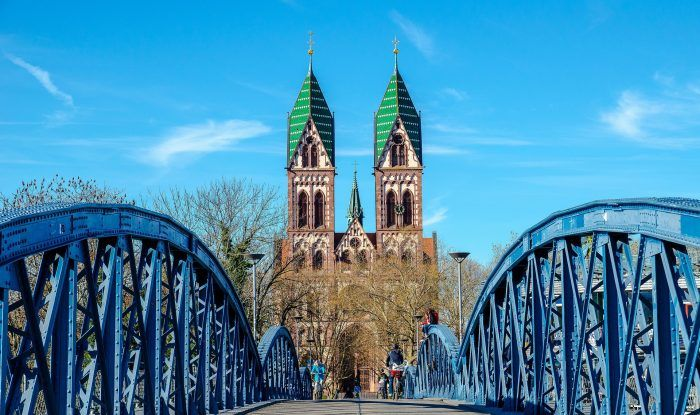 Puente azul o Wiwili en Friburgo